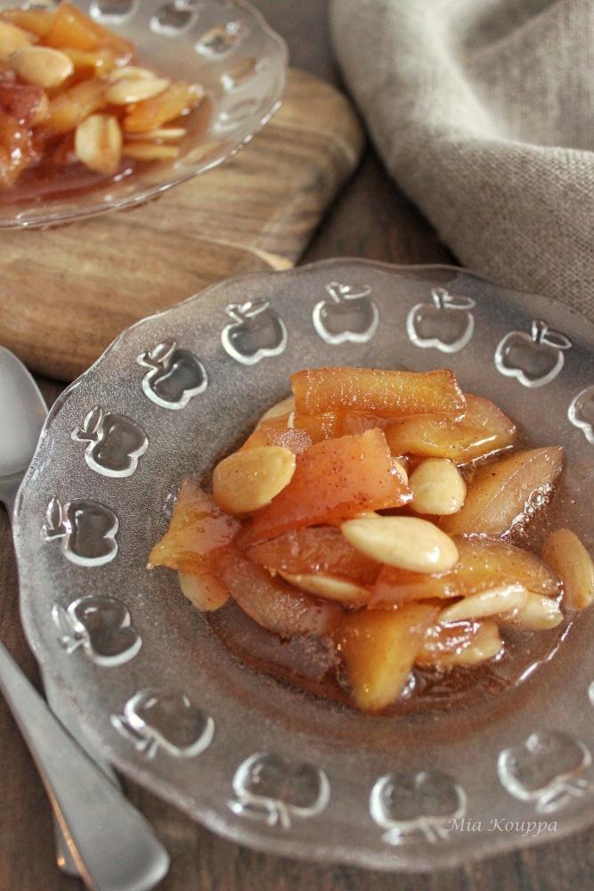 Quince spoon sweet (Κυδώνι γλυκό του κουταλιού)