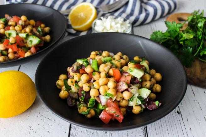 Chickpea salad (Σαλάτα με ρεβίθια)