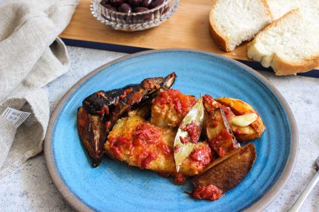 Cod with eggplant and potatoes (Μπακαλιάρος με μελιτζάνες και πατάτες)
