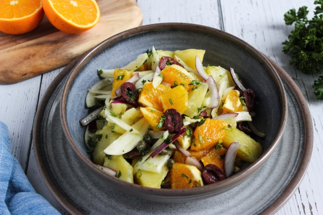 Maniatiki Salad (Potato salad with oranges and fennel) (Μανιάτικη σαλάτα)